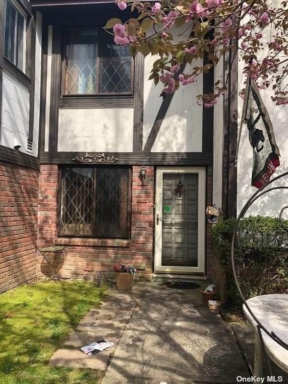 819 Blue Ridge Drive, Medford, NY 11763 (MLS #3305454) :: Cronin & Company Real Estate