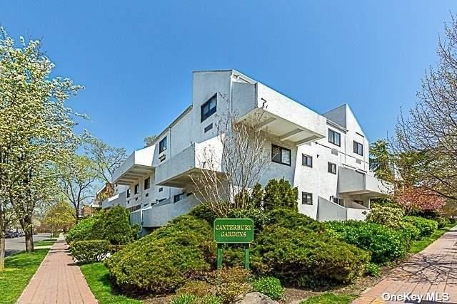 21 Canterbury Road, Great Neck, NY 11021 (MLS #3305953) :: Cronin & Company Real Estate