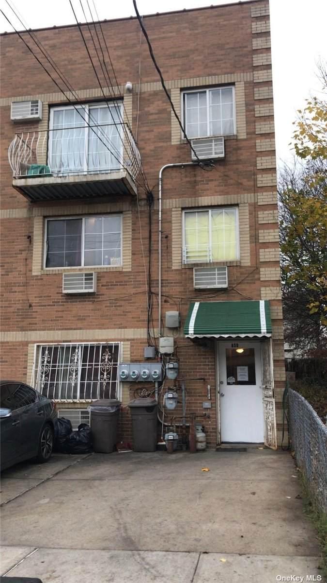 850 221 Street - Photo 1