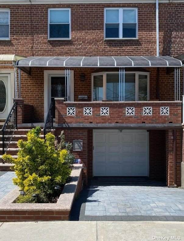 60-04 77th Street, Middle Village, NY 11379 (MLS #3306883) :: Carollo Real Estate