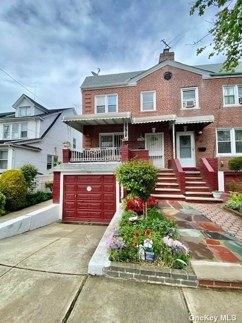 89-49 220 Street, Queens Village, NY 11427 (MLS #3308790) :: Frank Schiavone with William Raveis Real Estate