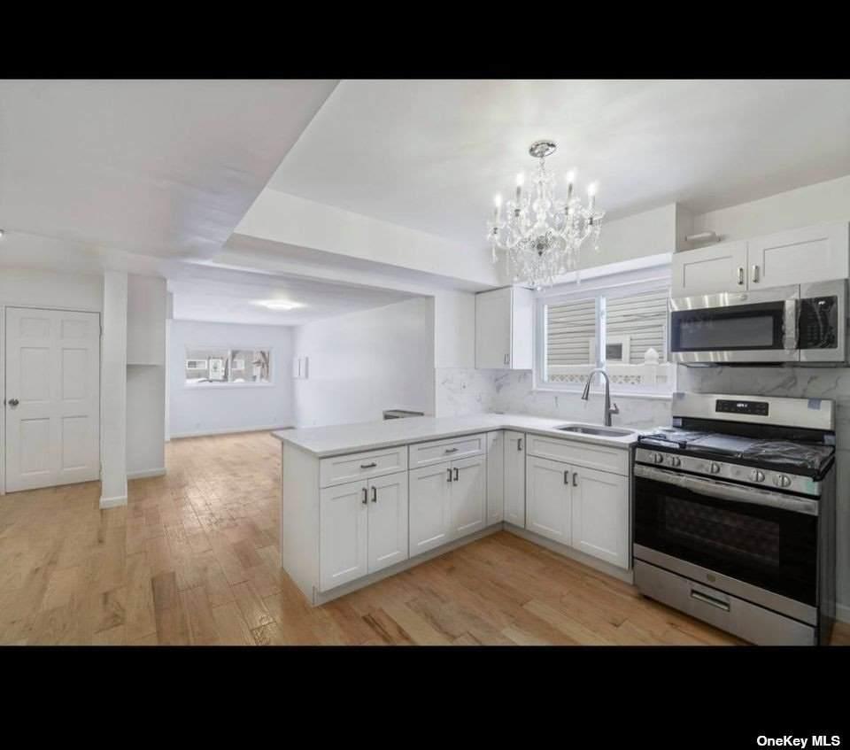 255-19 149th Avenue - Photo 1