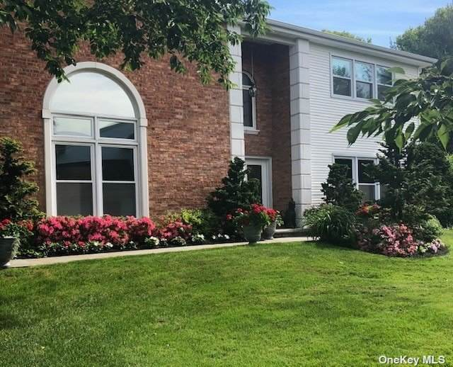 64 Hamlet Drive, Commack, NY 11725 (MLS #3309496) :: Signature Premier Properties