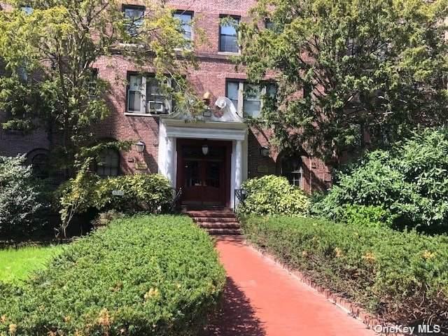 83-80 118th Street 6A, Kew Gardens, NY 11415 (MLS #3309650) :: Cronin & Company Real Estate