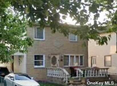 80-38 261 Street, Glen Oaks, NY 11004 (MLS #3309928) :: Cronin & Company Real Estate