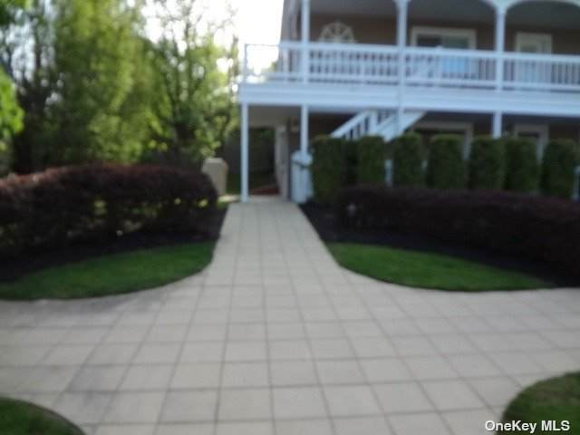 62 Canoe Place Road #511, Hampton Bays, NY 11946 (MLS #3310409) :: Mark Boyland Real Estate Team