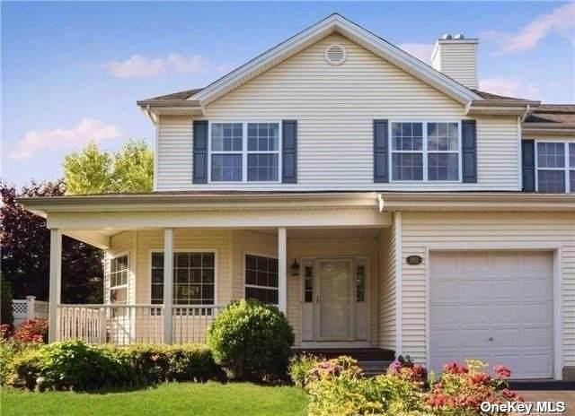 262 Rivendell Court *, Melville, NY 11747 (MLS #3310420) :: Mark Boyland Real Estate Team