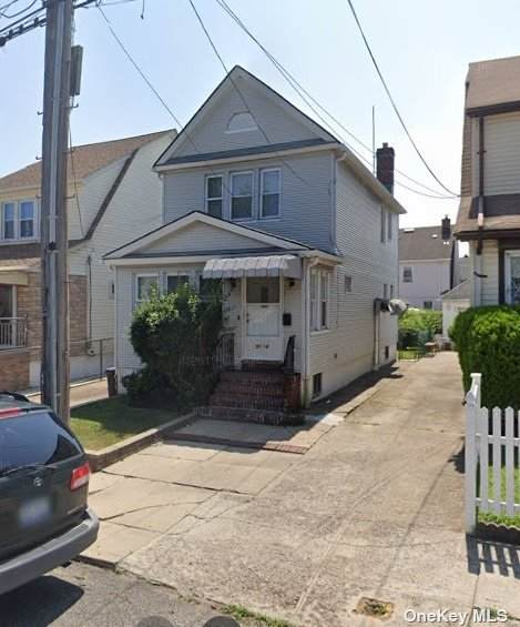 91-14 211th Place, Queens Village, NY 11428 (MLS #3310658) :: The Home Team