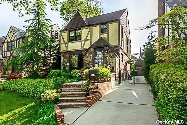 50-14 245th Street, Douglaston, NY 11362 (MLS #3310746) :: Signature Premier Properties