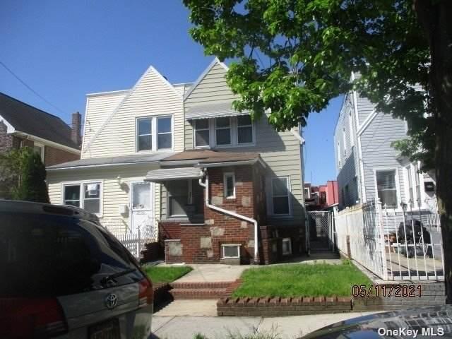 25-28 Humphrey Street, E. Elmhurst, NY 11369 (MLS #3312610) :: Frank Schiavone with William Raveis Real Estate
