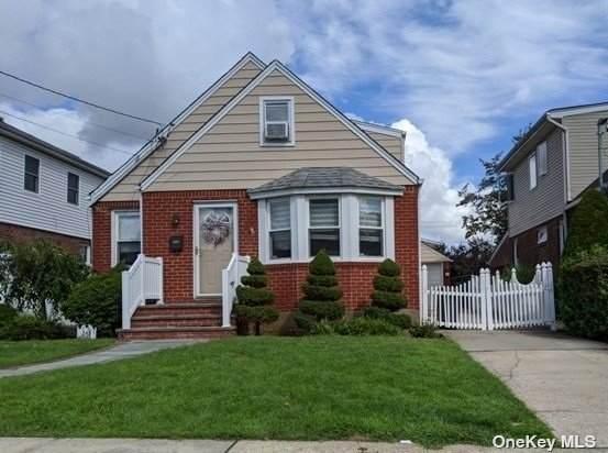 243 Fendale Street, Franklin Square, NY 11010 (MLS #3312815) :: McAteer & Will Estates | Keller Williams Real Estate