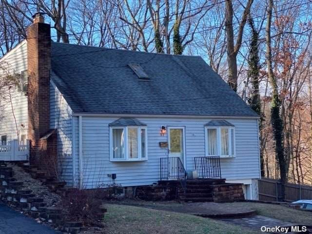 37 Soundview Road, Huntington, NY 11743 (MLS #3312850) :: Frank Schiavone with William Raveis Real Estate