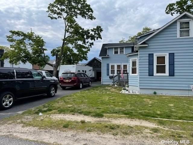 1 Fairview Avenue, Islip Terrace, NY 11752 (MLS #3313609) :: Carollo Real Estate
