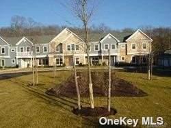 16 Gianna, Southampton, NY 11968 (MLS #3314255) :: Carollo Real Estate