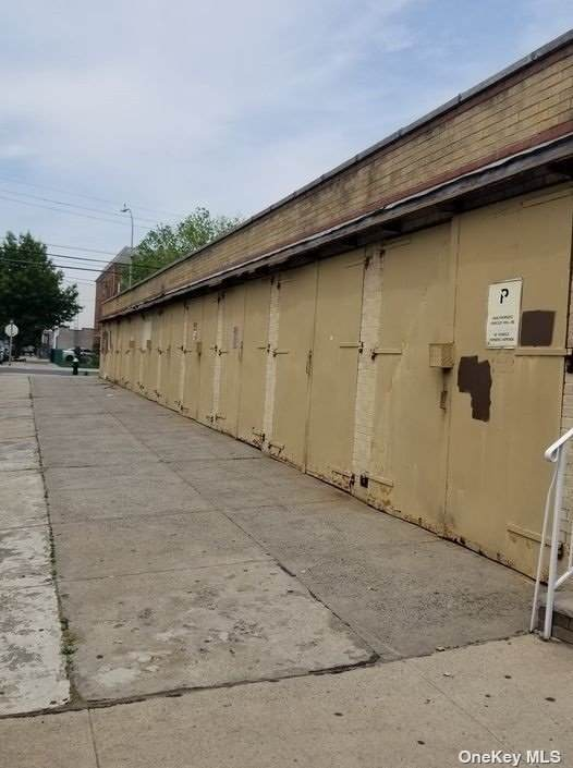 `60-01 Palmetto Street - Photo 1