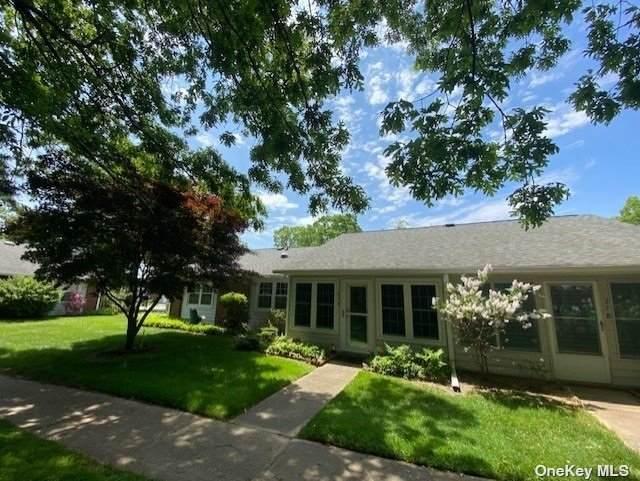 27A Trent Court, Ridge, NY 11961 (MLS #3316690) :: Carollo Real Estate