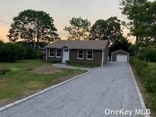 3 Dock Road, Remsenburg, NY 11960 (MLS #3319415) :: Carollo Real Estate