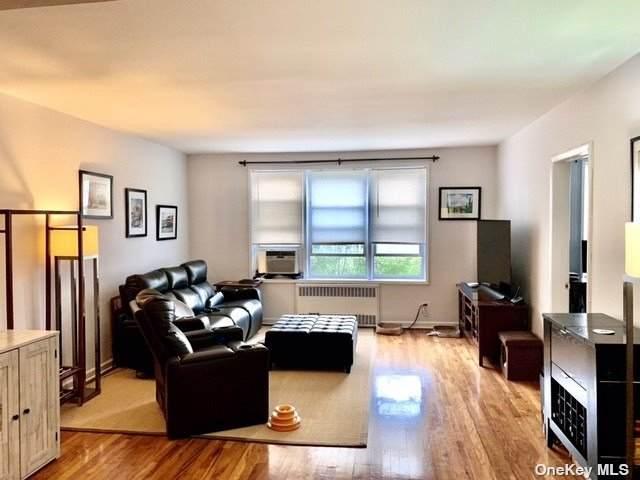 79-10 34th Avenue 6G, Jackson Heights, NY 11372 (MLS #3319774) :: RE/MAX RoNIN