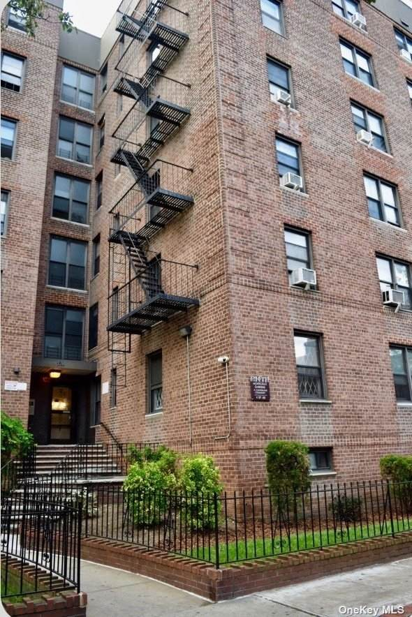 37-26 87th 2E, Jackson Heights, NY 11372 (MLS #3320186) :: Shalini Schetty Team