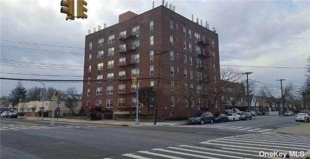 222-89 Braddock Avenue 6B, Bellerose, NY 11426 (MLS #3320545) :: Carollo Real Estate