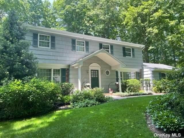 99 Holst Drive W, Huntington, NY 11743 (MLS #3320783) :: Carollo Real Estate