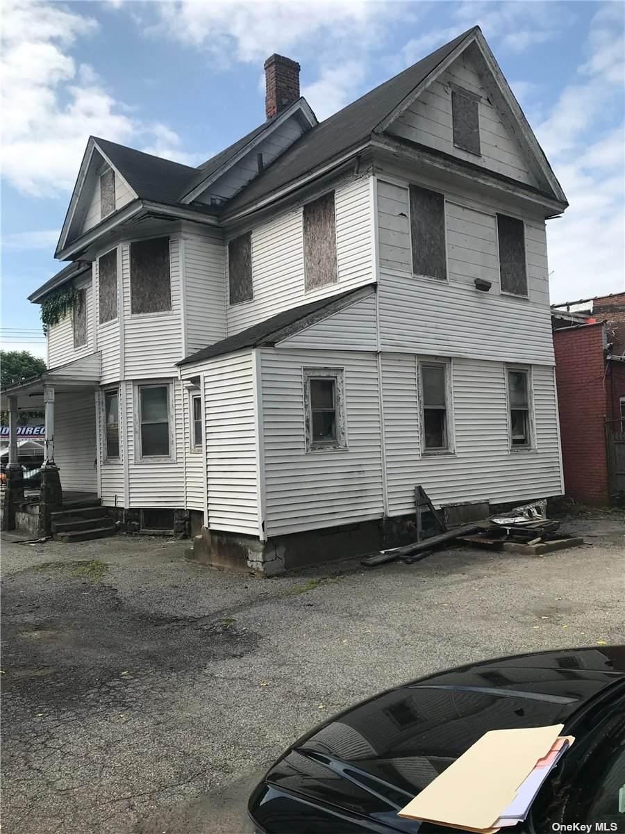 179-07 Jamaica Avenue - Photo 1