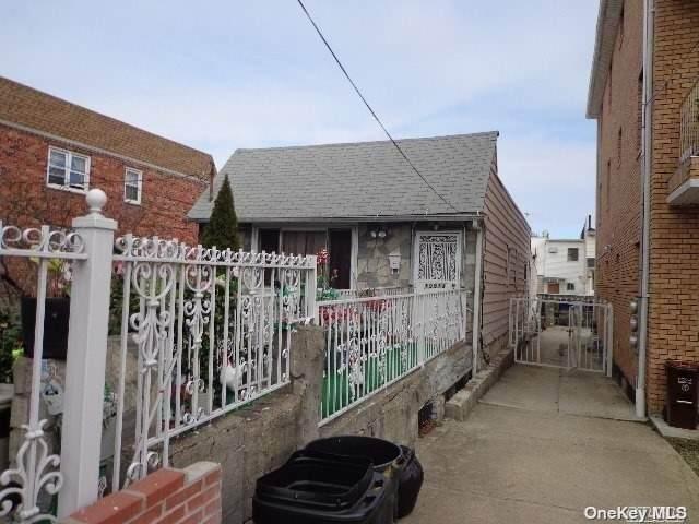 105-13 77th Street, Ozone Park, NY 11417 (MLS #3320915) :: Carollo Real Estate