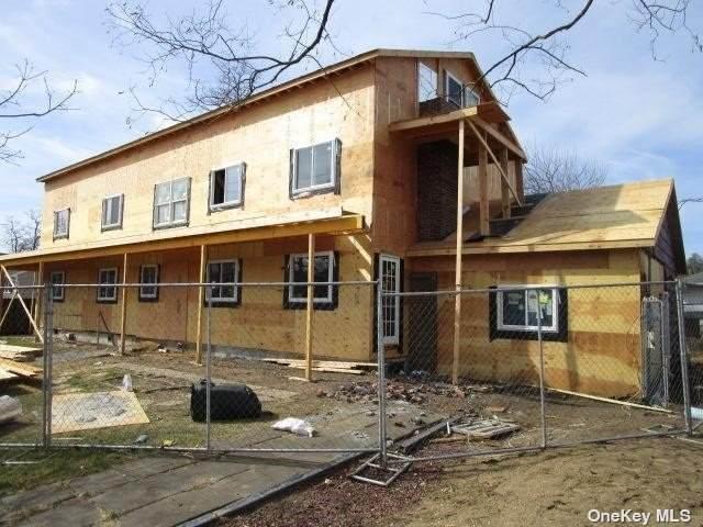545 Clocks Boulevard, Massapequa, NY 11758 (MLS #3321411) :: Mark Boyland Real Estate Team