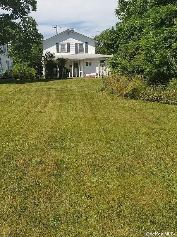 20 Hillcrest Avenue, Southampton, NY 11968 (MLS #3323949) :: Kendall Group Real Estate | Keller Williams