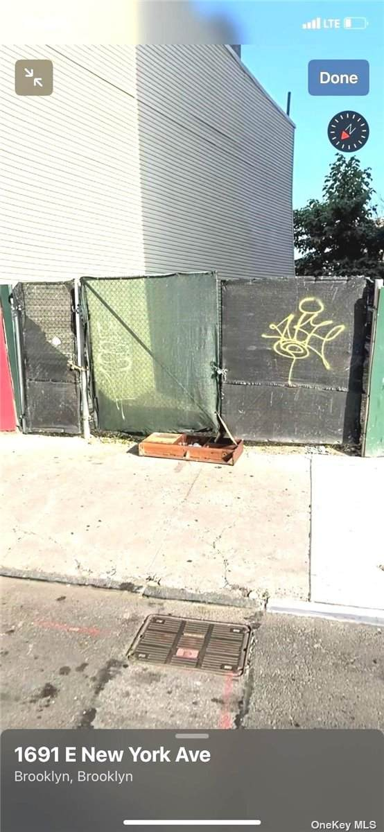 1698 East New York Avenue - Photo 1