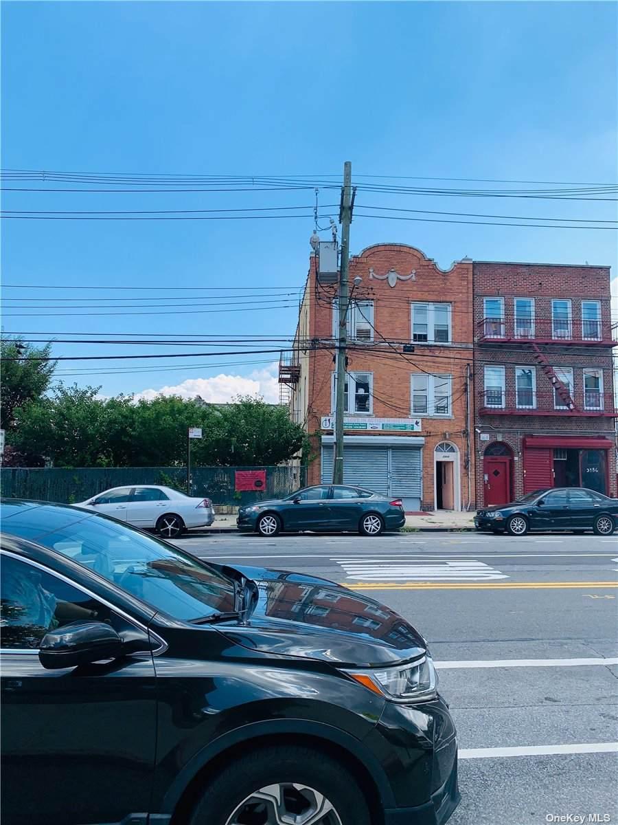 3988&3990 Bronxwood Avenue - Photo 1