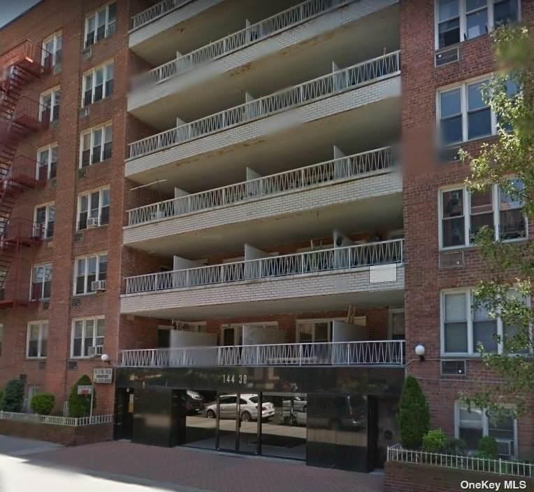 144-30 Roosevelt Avenue - Photo 1