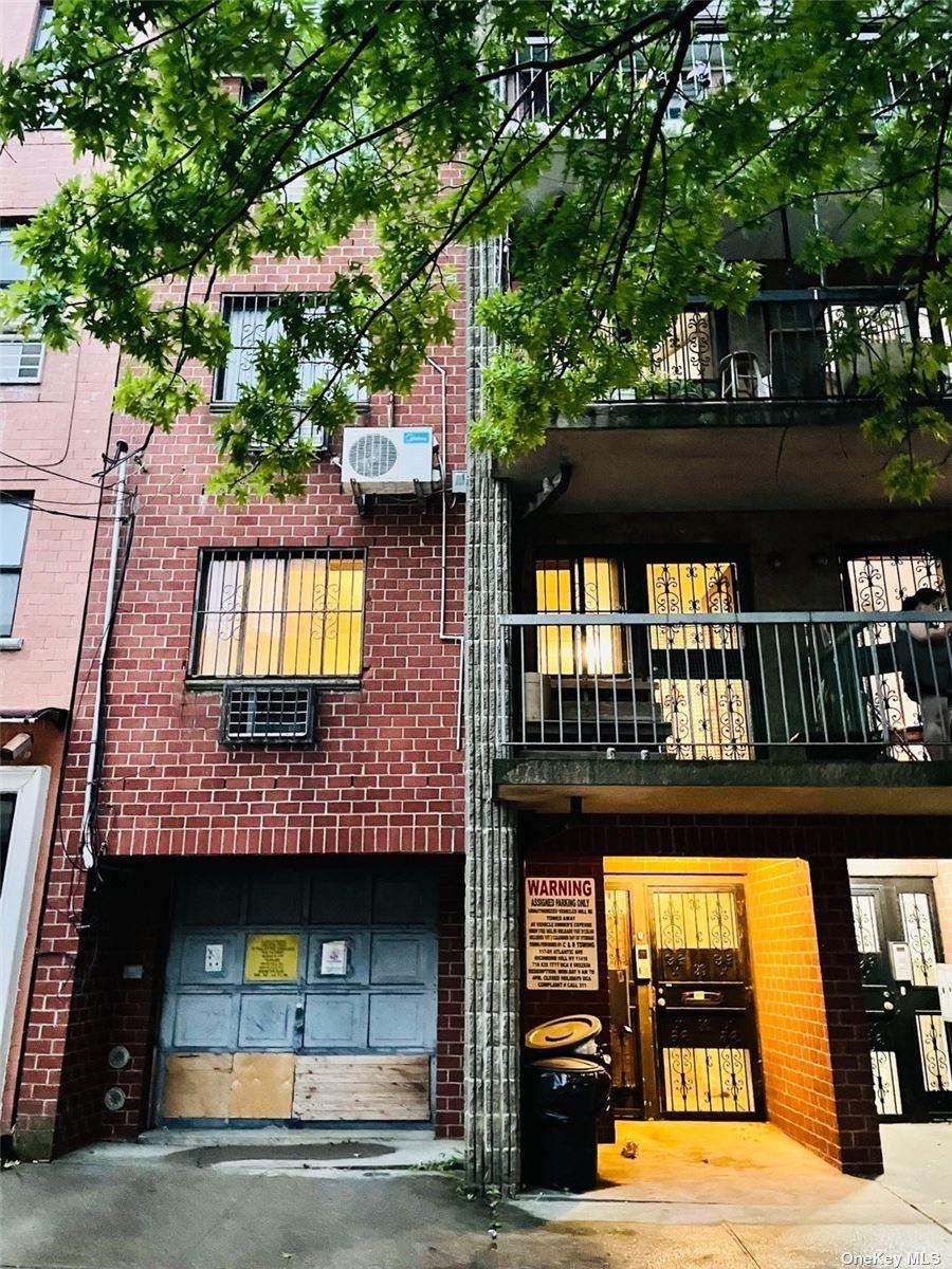 140-20 33 Avenue - Photo 1