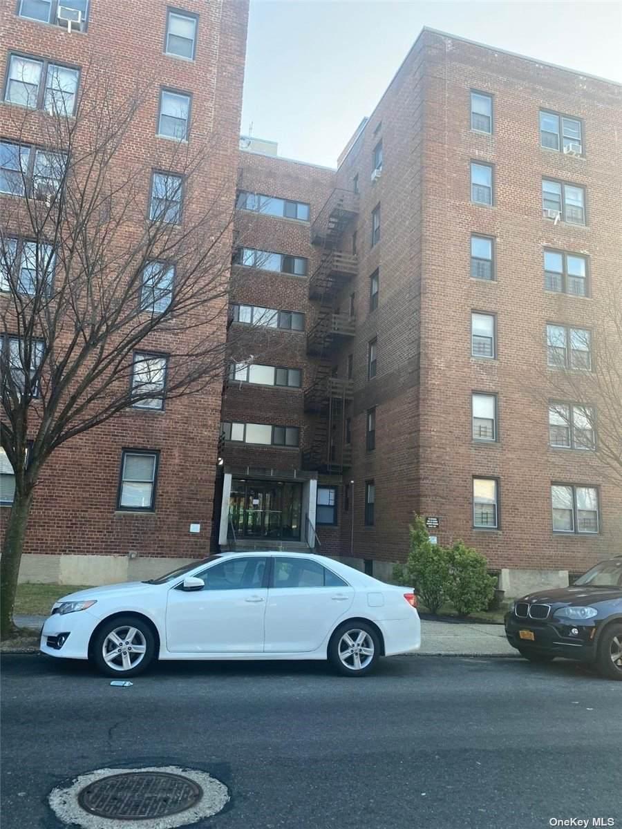 216-10 77 Avenue - Photo 1