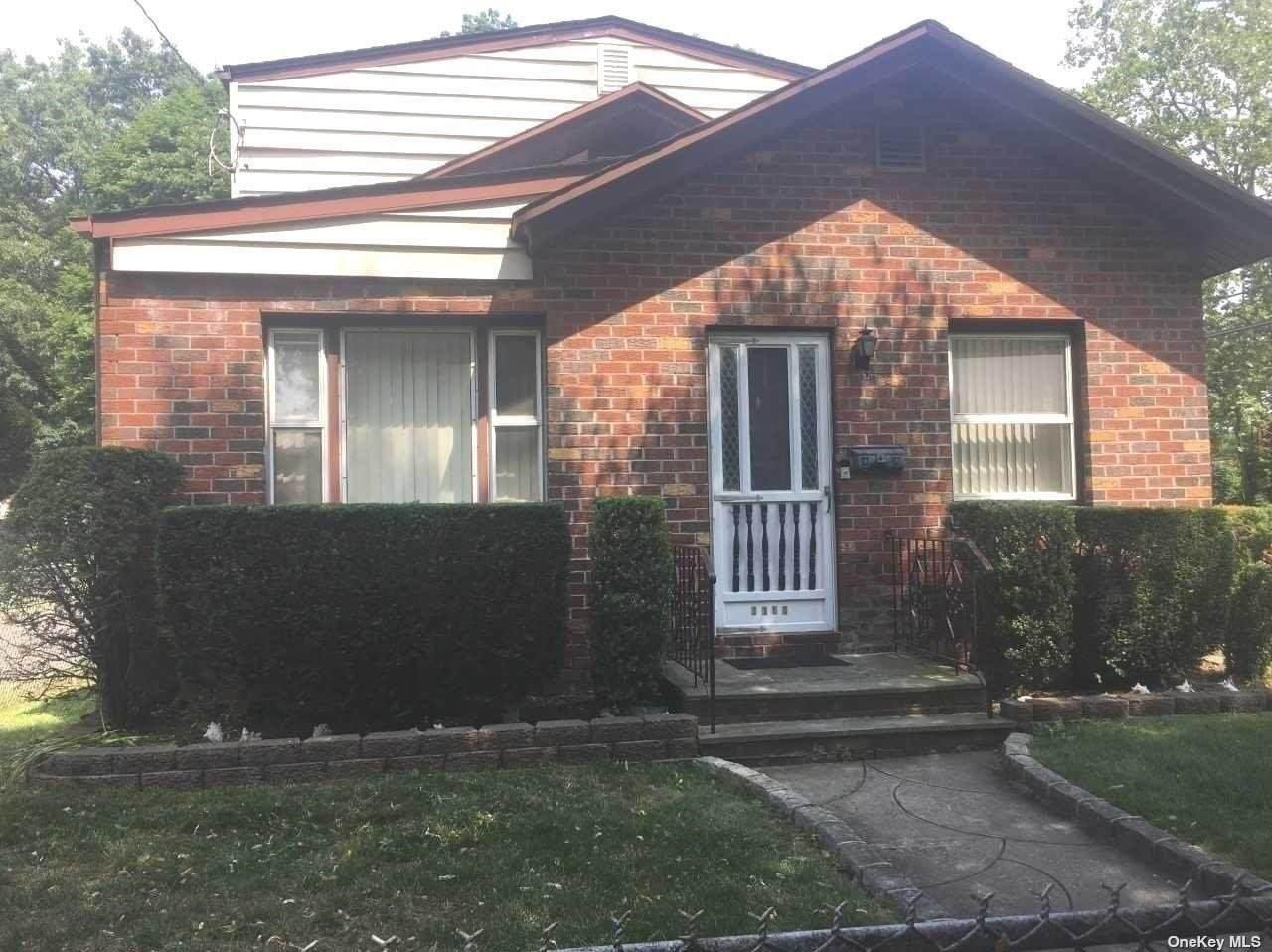 2163 Chestnut Street - Photo 1