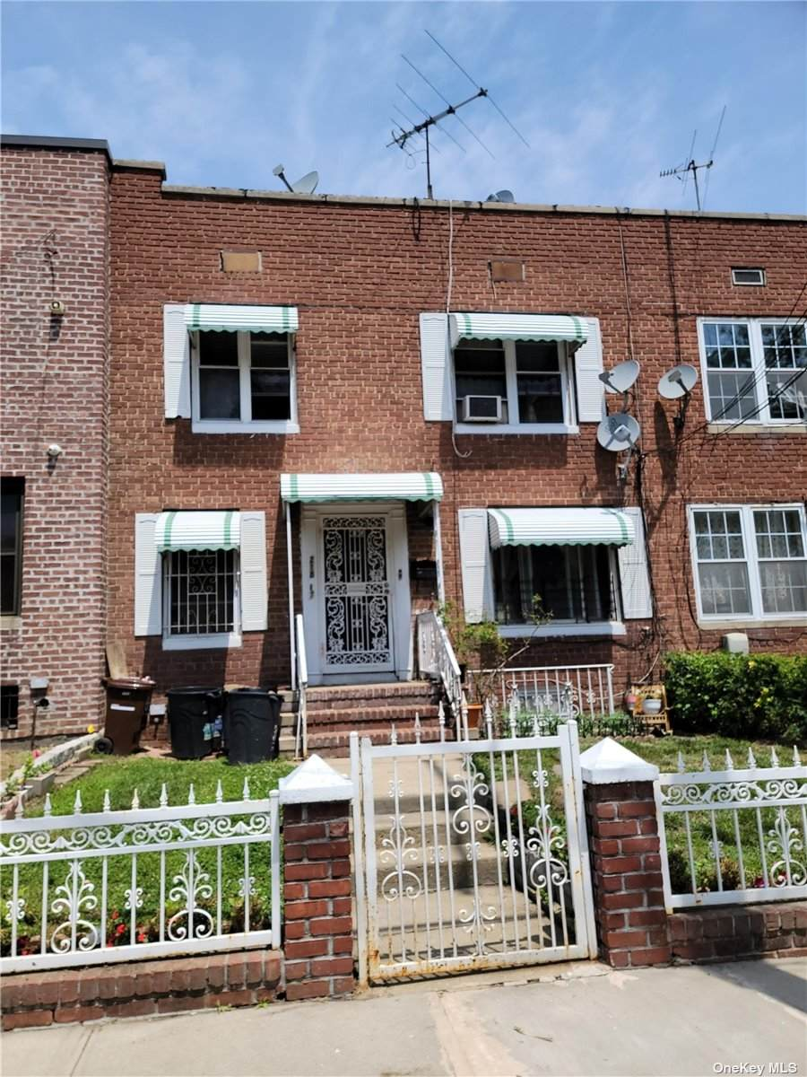 218-67 99th Avenue - Photo 1