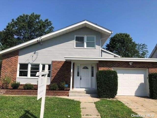 257 Elmwood Avenue, Hempstead, NY 11550 (MLS #3333329) :: Goldstar Premier Properties