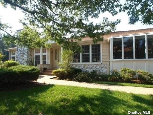 165 Doral Court #165, Roslyn, NY 11576 (MLS #3333632) :: Carollo Real Estate