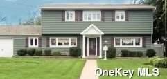 13 Dubois Road, West Islip, NY 11795 (MLS #3334167) :: Carollo Real Estate