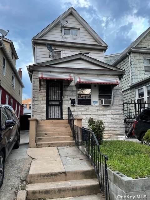 35-27 91st Street, Jackson Heights, NY 11372 (MLS #3334460) :: RE/MAX RoNIN