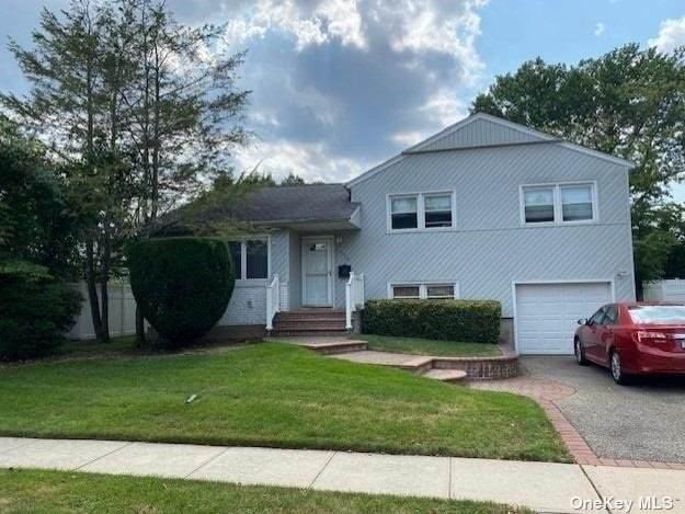 576 Pontiac Road, East Meadow, NY 11554 (MLS #3334466) :: Signature Premier Properties
