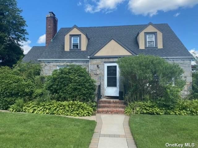 136 Meadowbrook Road, Hempstead, NY 11550 (MLS #3334779) :: Goldstar Premier Properties