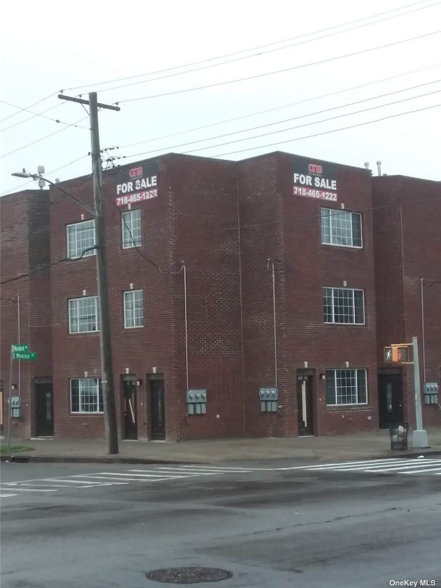 189-33 Murdock Avenue - Photo 1