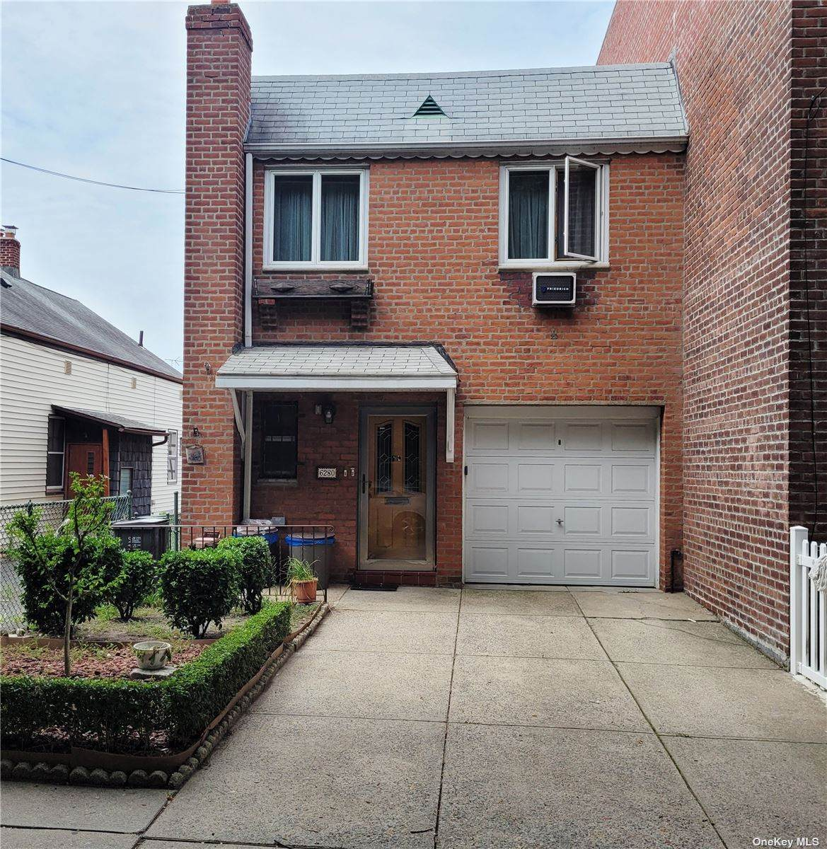 62-80 Forest Avenue - Photo 1