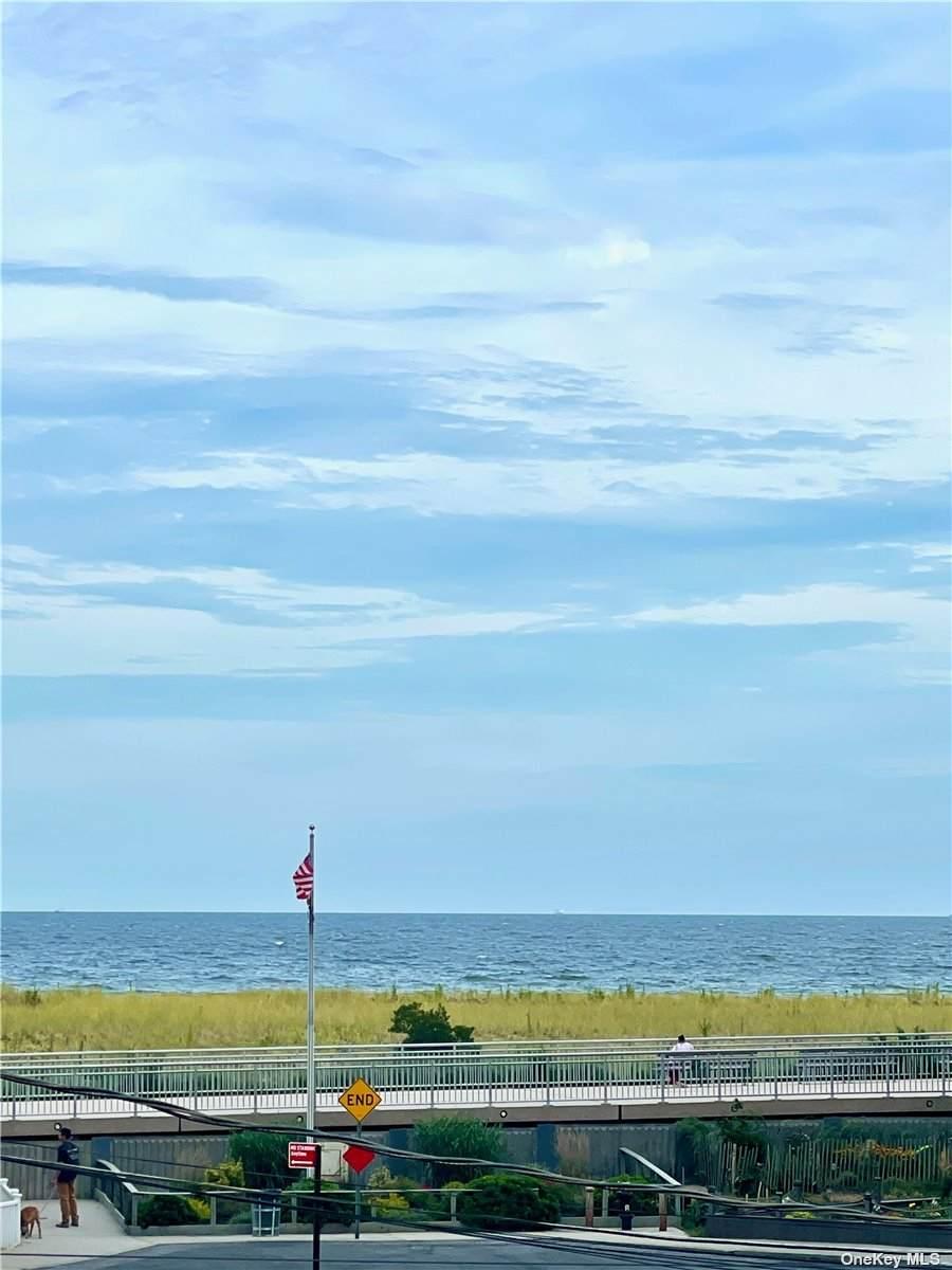 152 Beach 118 St - Photo 1