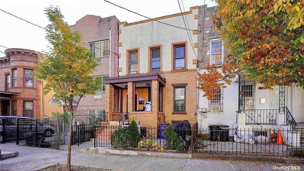 672 Linwood Street - Photo 1