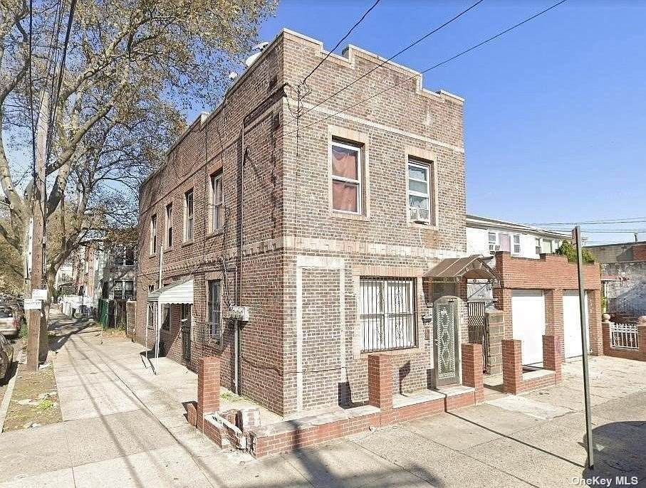 1363 Sutter Avenue - Photo 1