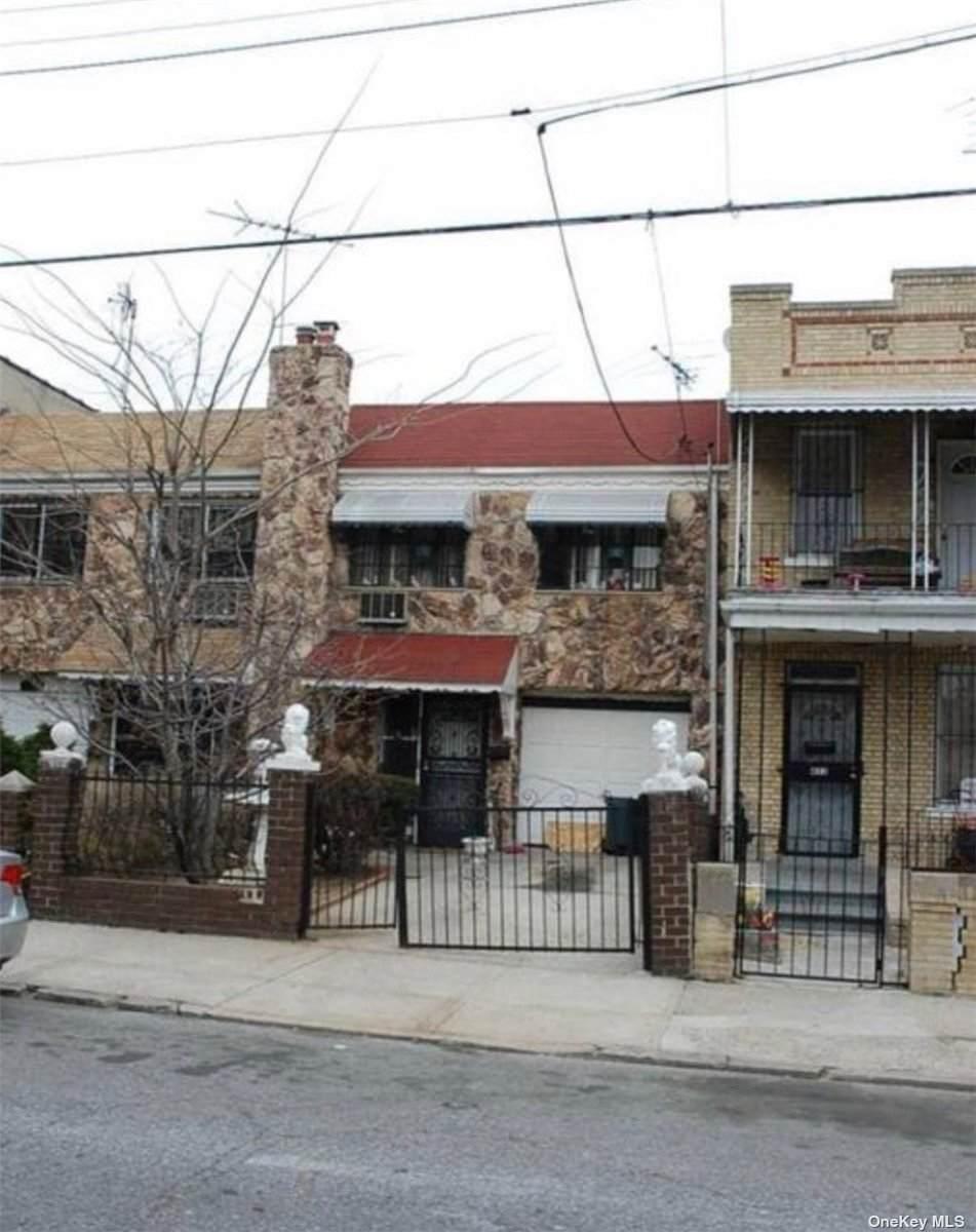 449 Berriman Street - Photo 1