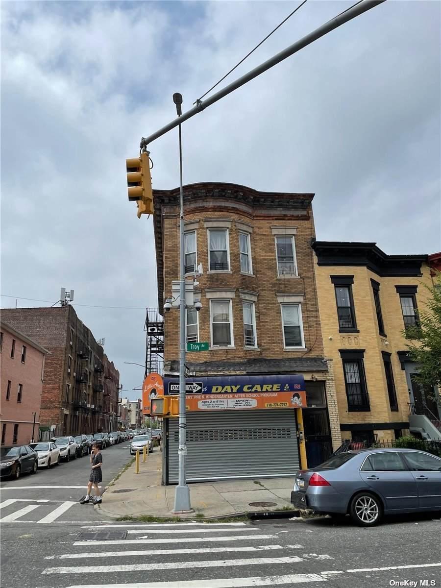 272 Troy Avenue - Photo 1