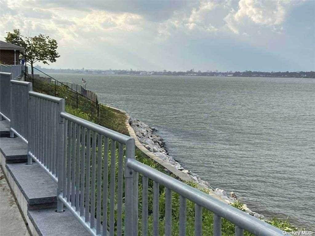 166-41 Powells Cove Boulevard - Photo 1